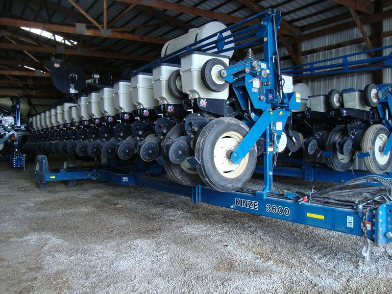 2009 Kinze 3600 Planter Sullivan Indiana Machinery Pete