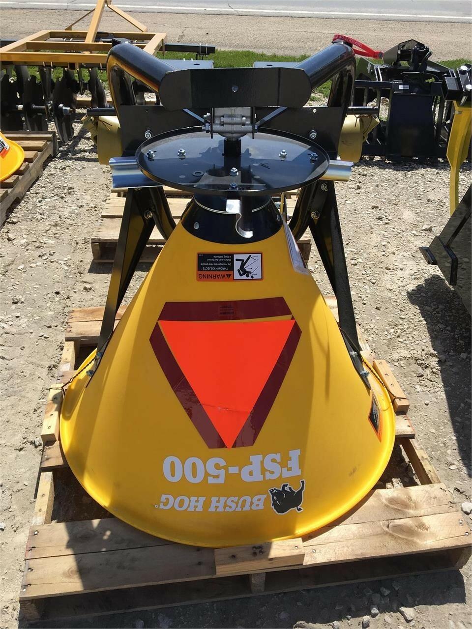 Bush Hog FSP-500 Pull-Type Fertilizer Spreader