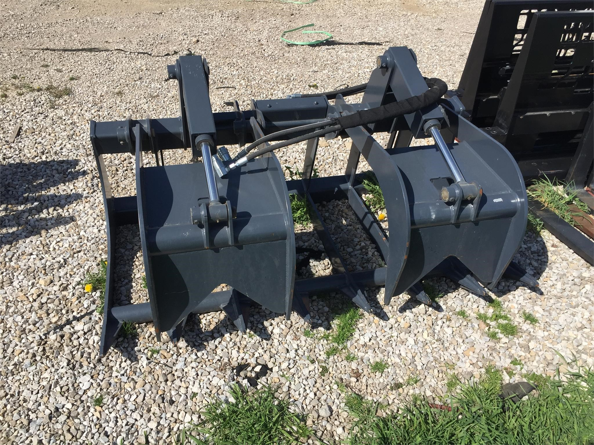 2017 EDGE RG66 Loader and Skid Steer Attachment