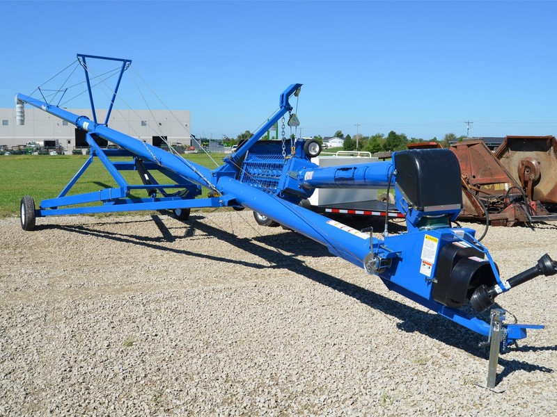 Brandt 1070XL Augers and Conveyor