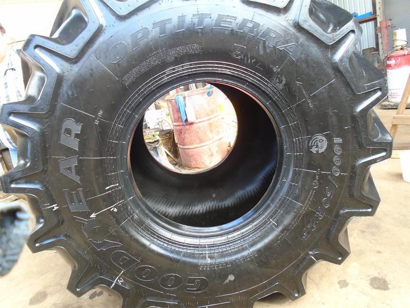 Goodyear 1000/50R25 Wheels / Tires / Track