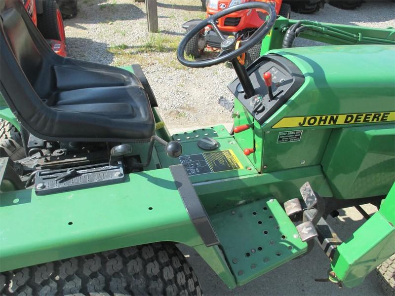 1987 John Deere 855 Tractor