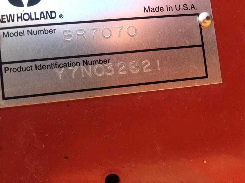 2007 New Holland BR7070 Round Baler