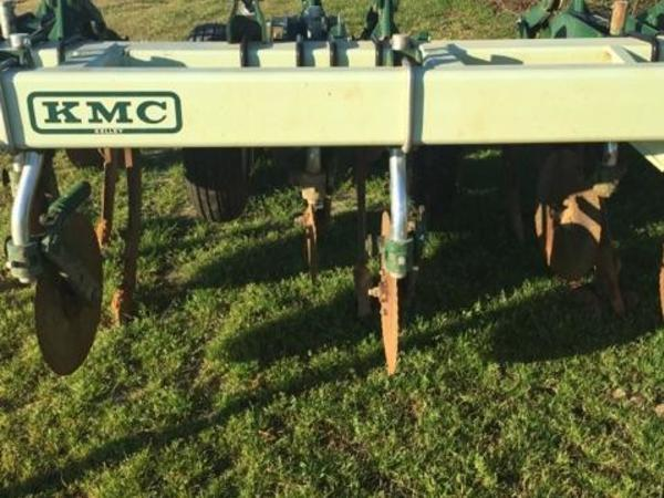2015 Kelley Manufacturing Twin Row Bedder 38-6 Cultivator