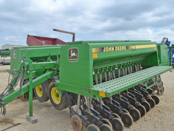 1992 John Deere 455 Drill