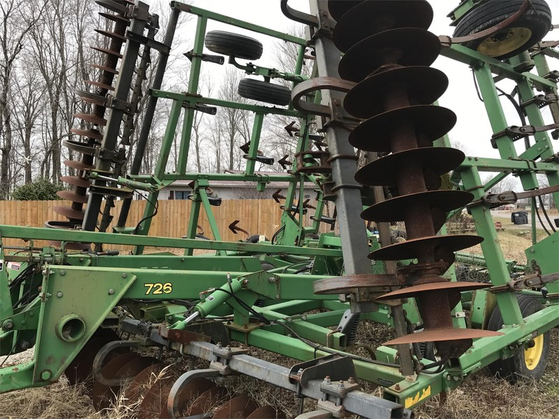 2005 John Deere 726 Soil Finisher