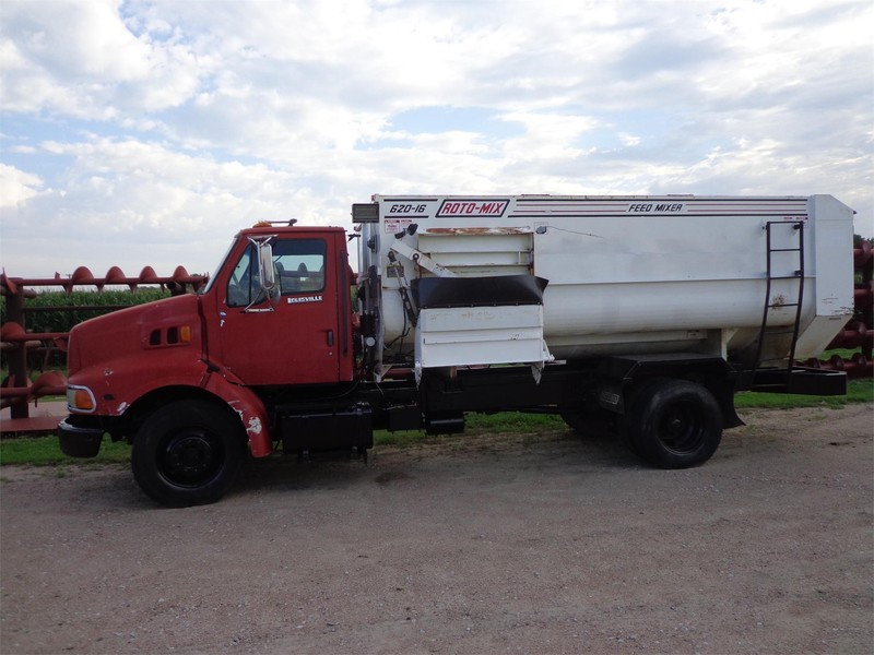 1997 Roto Mix 620-16 Grinders and Mixer