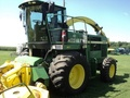 2000 John Deere 6950 Self-Propelled Forage Harvester