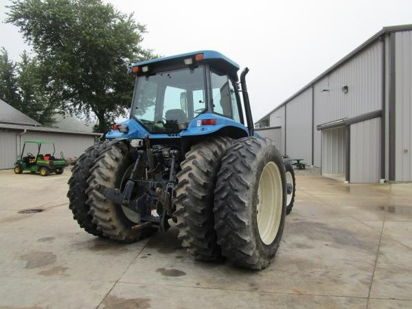 1995 Ford New Holland 8670 Tractor