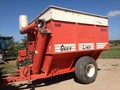 Hutchinson 400 Grain Cart