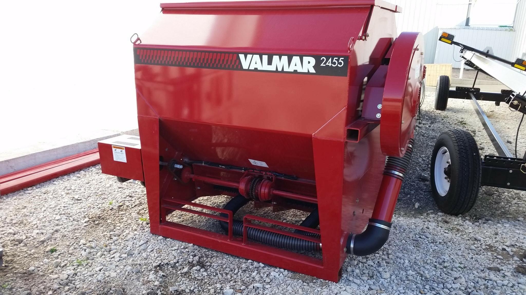 Valmar 2455 Pull-Type Fertilizer Spreader