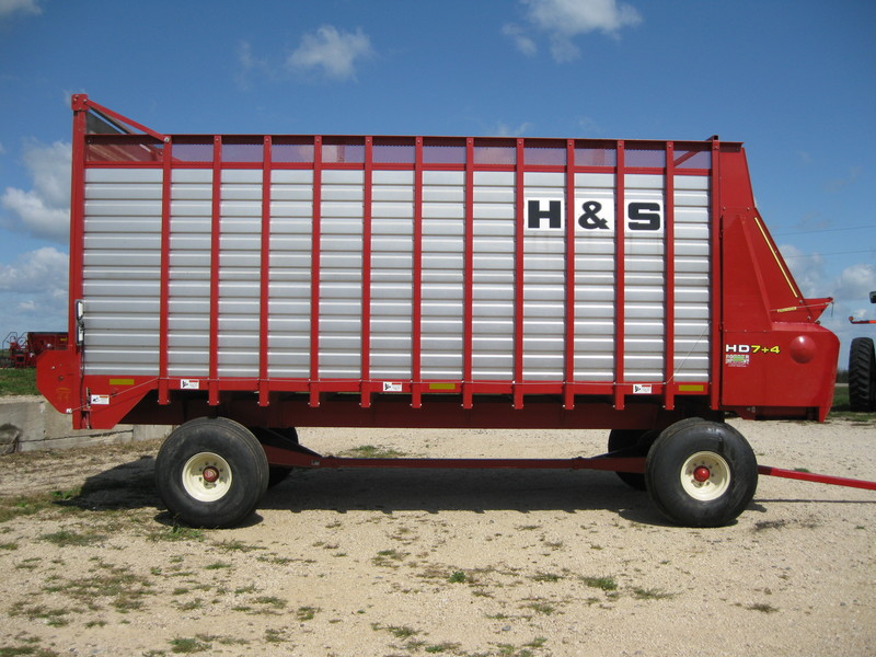2015 H & S 7+4 HD Forage Wagon