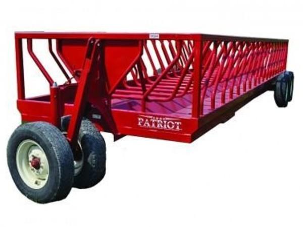 2018 Patriot 24BF Feed Wagon