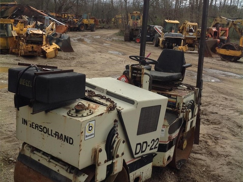 Ingersoll-Rand DD22 Compacting and Paving