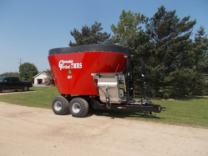 2020 Cloverdale 600T Grinders and Mixer