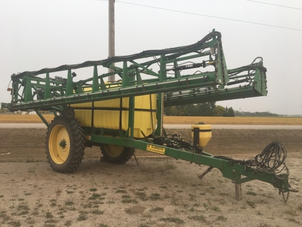 2005 Summers Manufacturing 1500 Pull-Type Sprayer