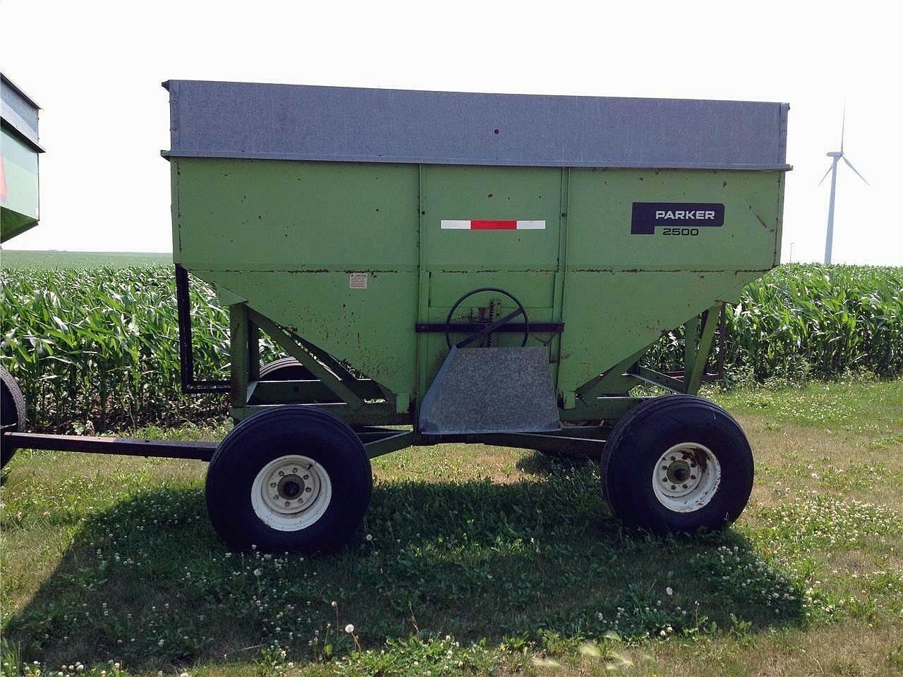 Parker 2500 Gravity Wagon