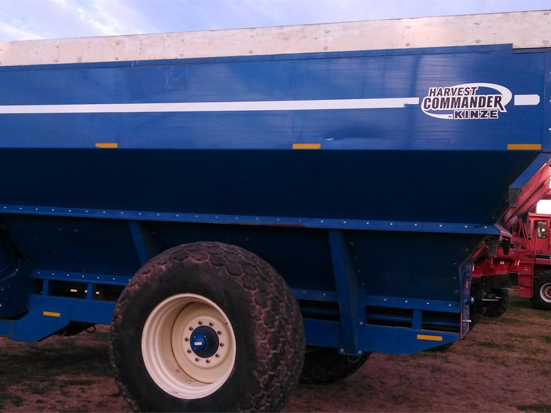 2003 Kinze 850 Grain Cart