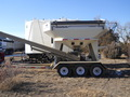 2009 Unverferth 3750 Seed Tender Miscellaneous