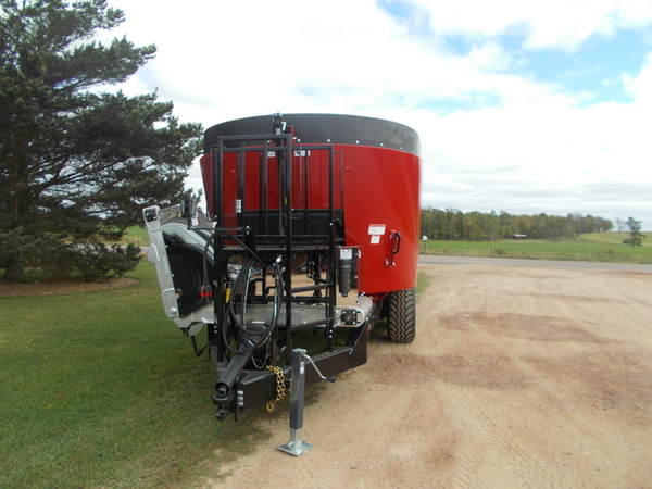 2017 Cloverdale 650T Grinders and Mixer