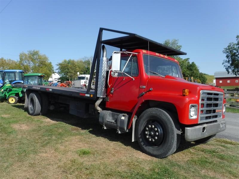 1988 International 1954 Semi Truck