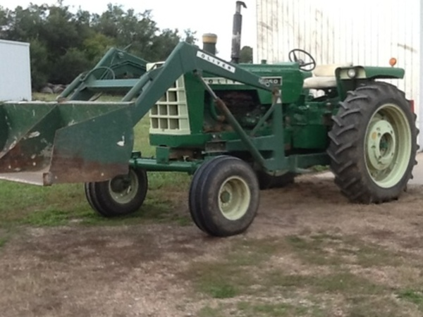 1967 Oliver 1650 Tractor