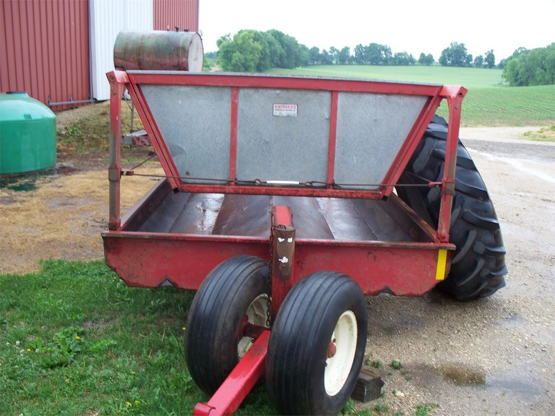 2008 Meyer P200 Feed Wagon