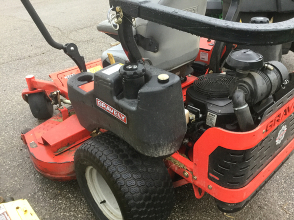 2013 Gravely Pro-Turn 460 Lawn and Garden
