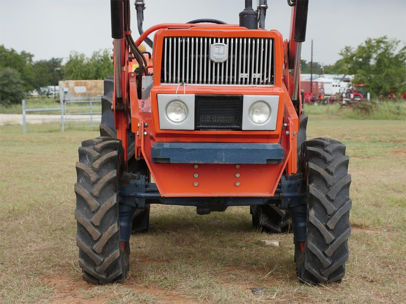 1980 Daedong L3502D Tractor