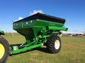 2016 Unverferth 5225 Grain Cart