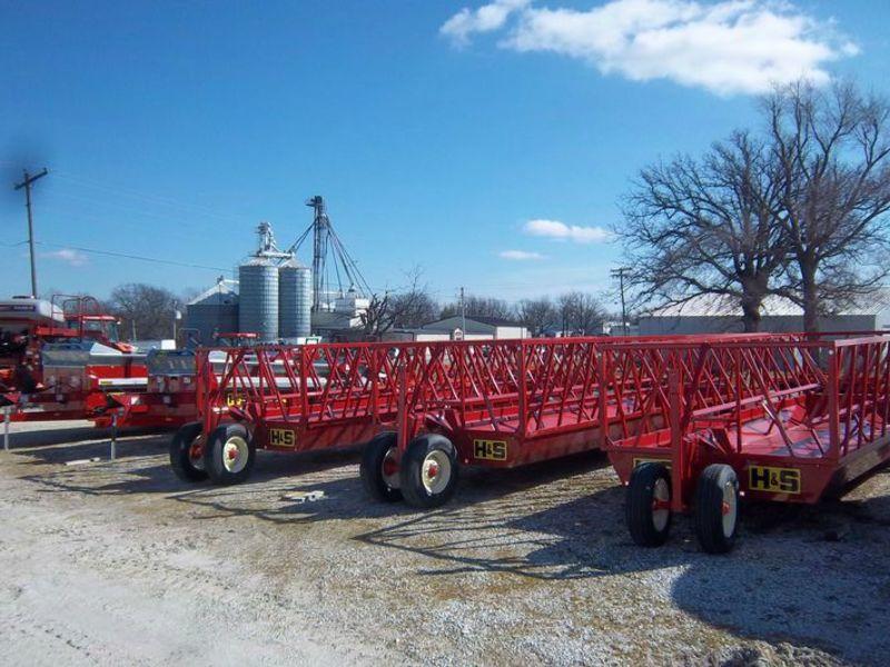 2013 H & S FWS3B Feed Wagon