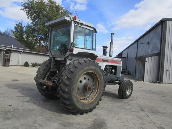 1981 White 2-135 Tractor