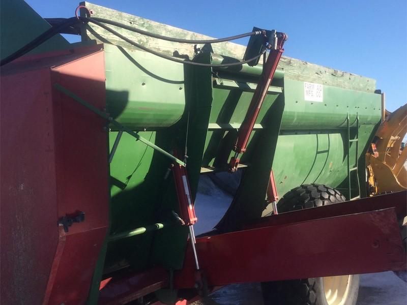 2008 Farm Aid 430 Feed Wagon