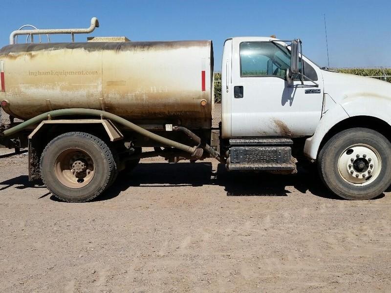 2012 Ford F750 Semi Truck