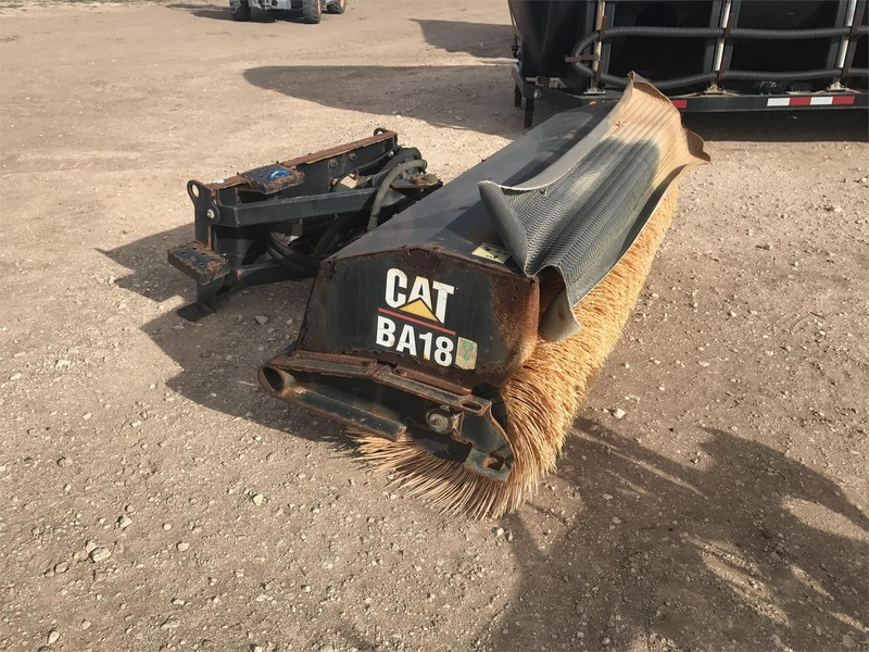 Caterpillar BA18 Loader and Skid Steer Attachment