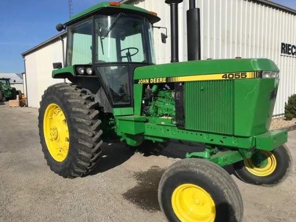 John Deere 4055 Tractor