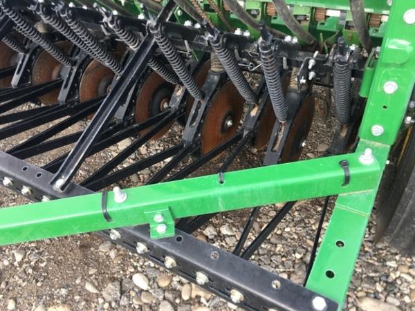 2015 John Deere BD1110 Drill