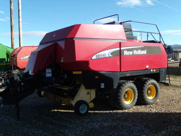 2007 New Holland BB940A Big Square Baler