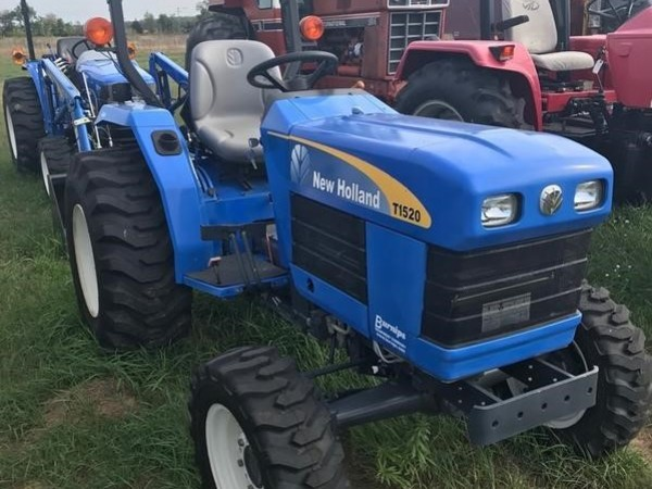 2009 New Holland T1520 Tractor