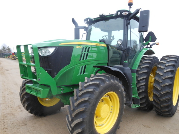 2016 John Deere 6175R Tractor