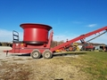 Farmhand 6650 Grinders and Mixer
