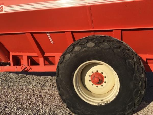 Killbros 1800 Grain Cart
