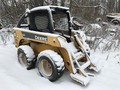 Deere 320 Skid Steer