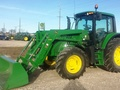 2015 John Deere 6105M Tractor