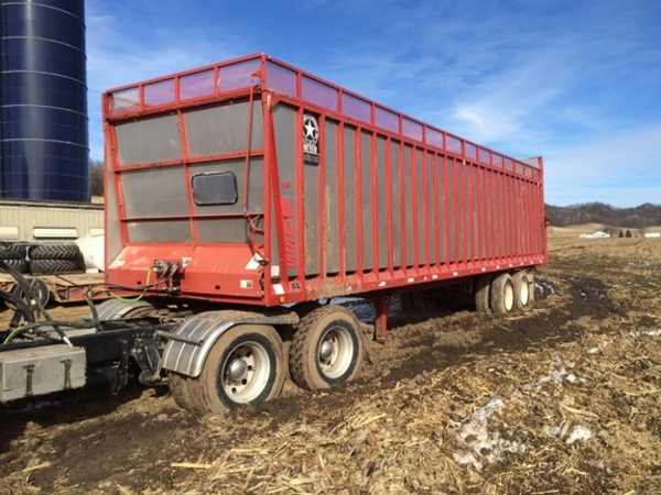 2004 Meyer 9136T Forage Wagon