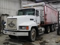 2004 Meyer 8122 Forage Wagon