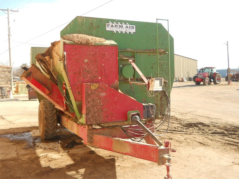 Farm Aid 560 Feed Wagon