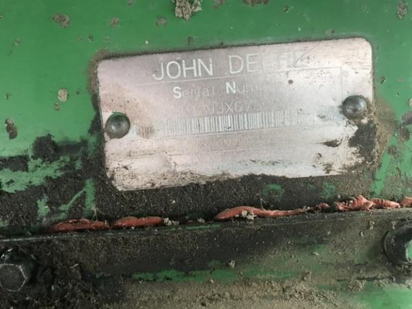 1998 John Deere 1293 Corn Head