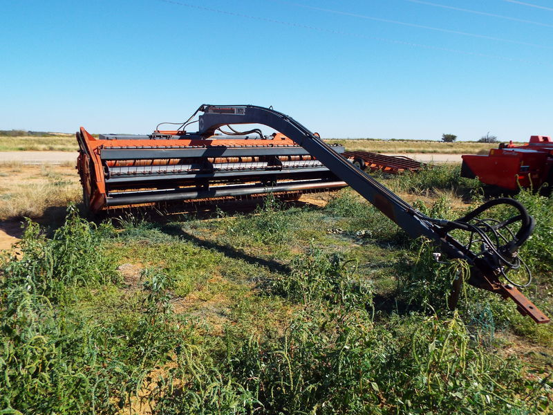 Hesston 1160 Pull-Type Windrowers and Swather