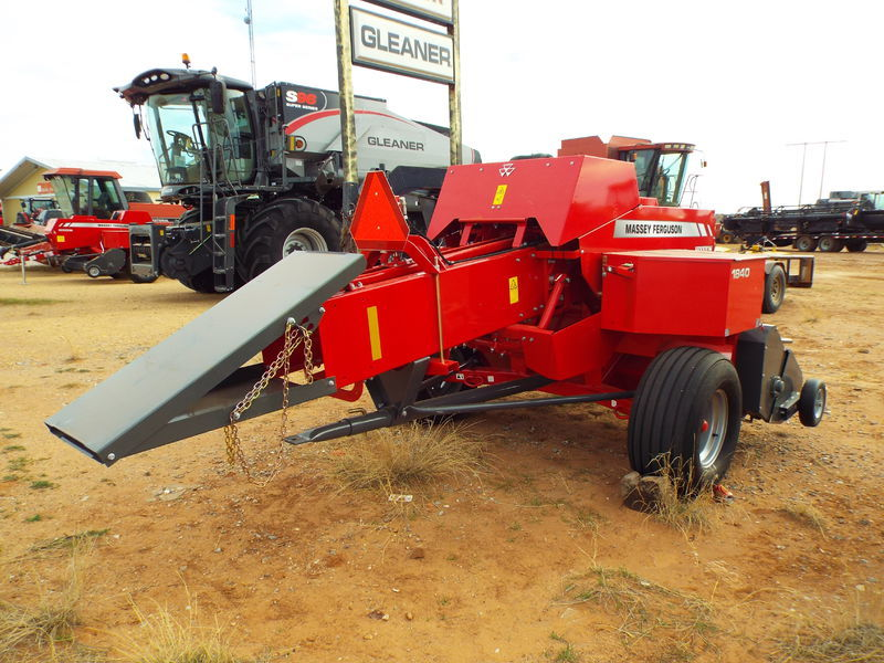 Massey Ferguson 1840 Small Square Baler